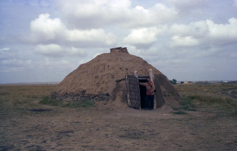 Аркаим. Реконструкция кургана