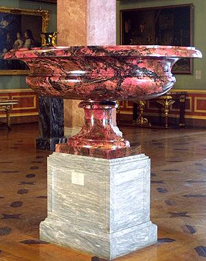 родонитовая ваза из Эрмитажа