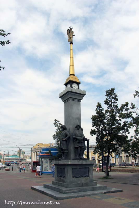 Кировка Памятник основателям