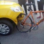 Челябинский Велосипед пробивает китайскую легковушку