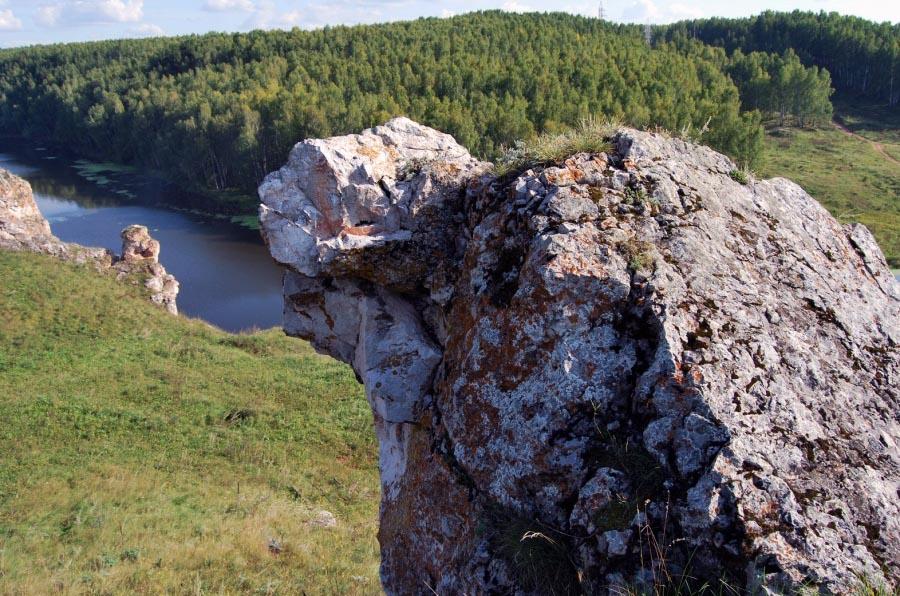 Скала Черепашка на реке Исеть