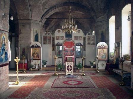 Внутри храма (село Маминское)