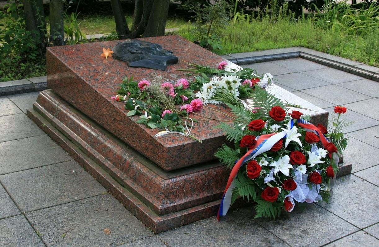 Могила Кузнецова во Львове
