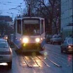 Суровый челябинский трамвай ездит без рельсов