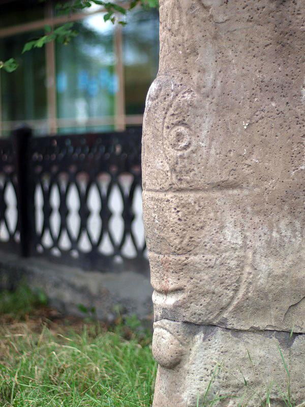 Окуневские каменные бабы